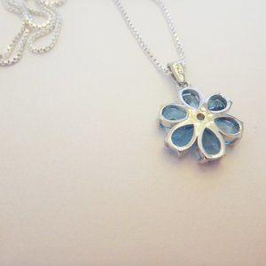 Lutiro Jewelry - Necklace Genuine Blue Topaz Stones -Flower Shape